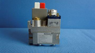 Picture of V8800C1127U GAS VALVE 3/4x1/2'(24 VOLT)