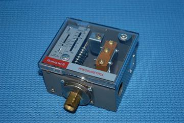 Picture of L404F1235/U PR.SWITCH 20-300psi